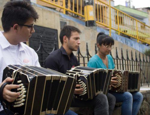 Músicos de todas las edades podrán aprender técnicas de tango en la Red de Escuelas de Música de Medellín